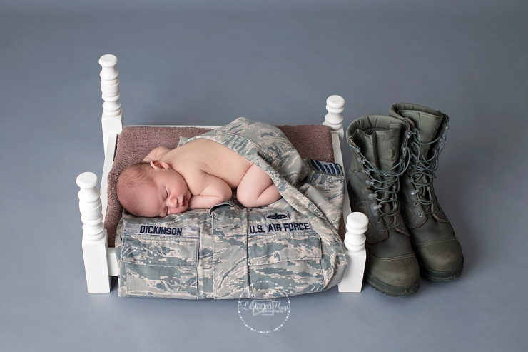 Too sweet with his daddy's USAF gear.