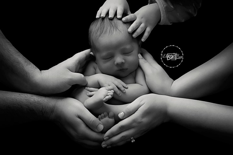 FB WEB ONLY Ethan Clay Newborn 06-30-2018 230 FB WEB B&W